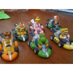 figurines mario kart a friction